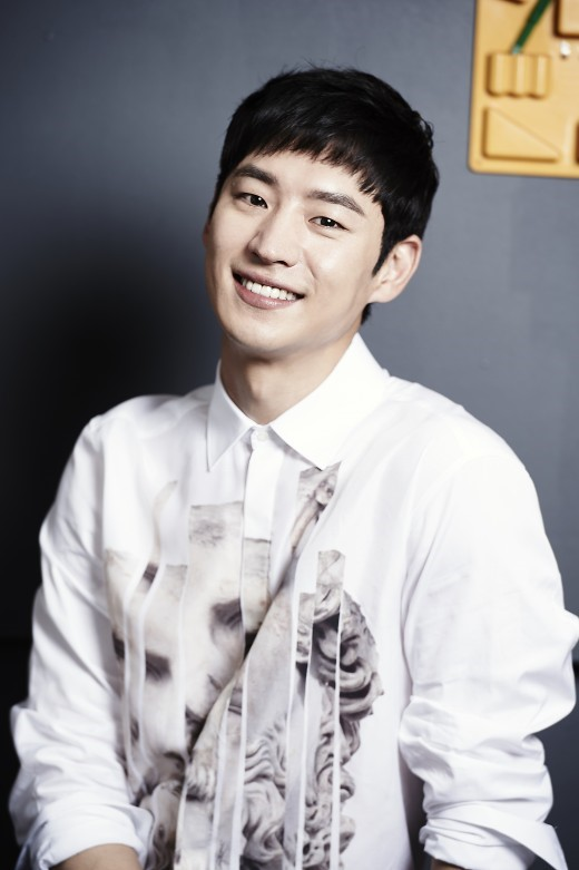 Lee Je Hoon Is In Desperate Need Of Romance And Melodramas