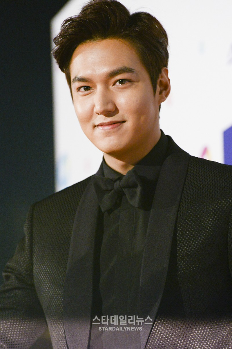 lee min ho discusses enlistment and reaction to fan who