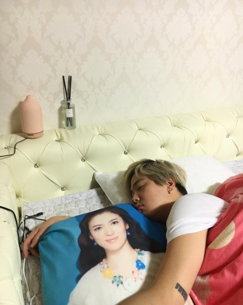 Lee Hong Ki Shows His Everlasting Love For Song Hye Kyo