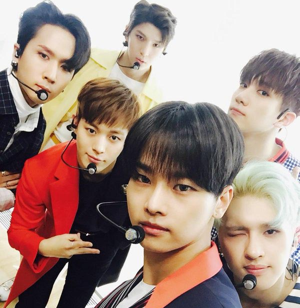 VIXX Prepares Thoughtful Gifts For Fans' Parents For Parents' Day
