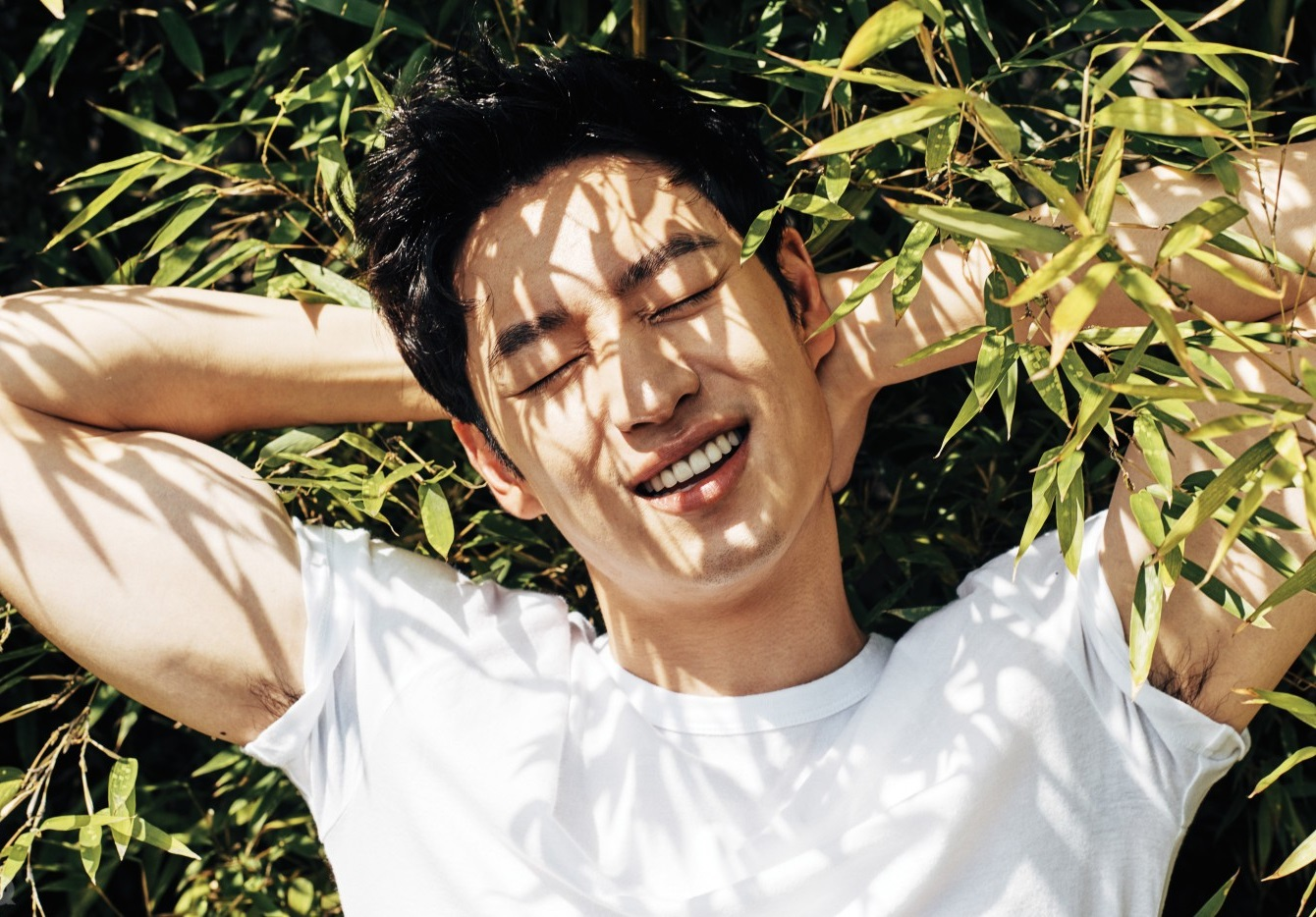 Lee Je Hoon Gains Attention Online For His Sweet Act Of Kindness On The Subway