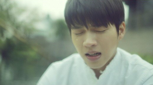 "INFINITE's Woohyun Talks About Filming Crying Scene In ""Nodding"" MV"