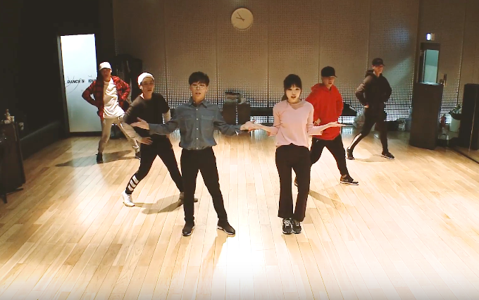 "Akdong Musician Releases Dance Practice Videos For ""Re-Bye"" And ""How People Move"""