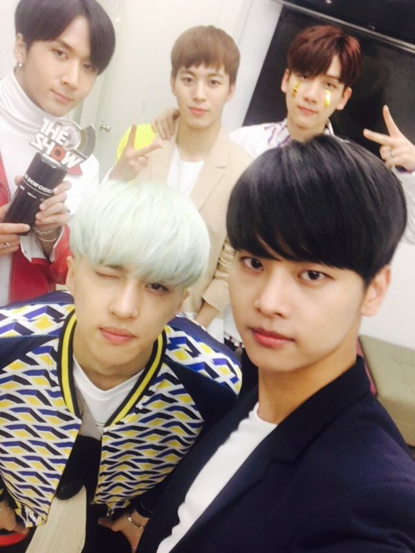"""VIXX Takes 5th Win On """"The Show"""" For """"Dynamite,"""" Performances By SEVENTEEN, Lovelyz, I.O.I, And More"""