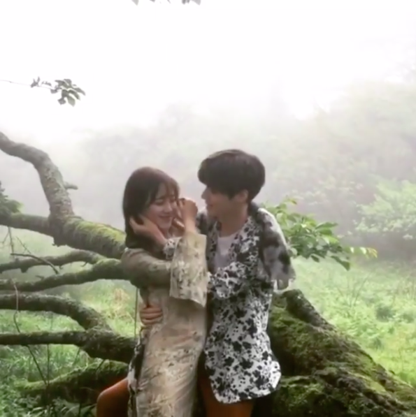 Marie Claire Korea Reveals Behind-The-Scenes Video Of Ahn Jae Hyun And Ku Hye Sun's Photo Shoot