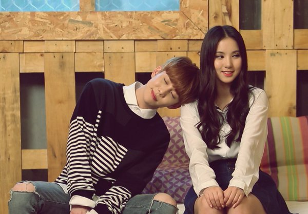 Block B's Park Kyung And GFRIEND's Eunha Play A Couple In New Season Of Web Show