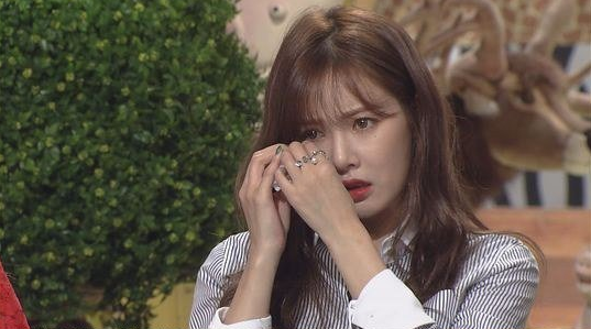 "HyunA Can't Stop The Tears From Flowing On ""Animal Farm"""