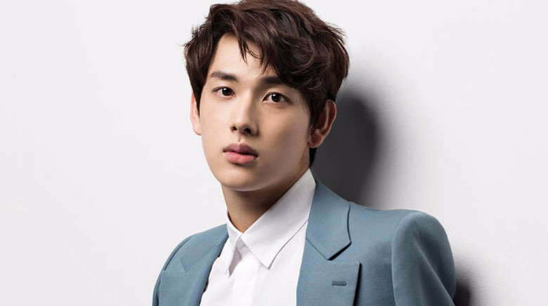 "Im Siwan Tops Most Beloved Idol-Actor Ranking On ""Entertainment Weekly"""