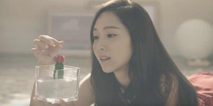 """Watch: Jessica Is As Stunning And Adorable As Ever In """"Love Me The Same"""" MV"""