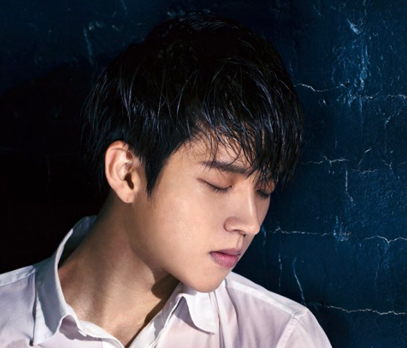 INFINITE's Woohyun Tops Album Charts