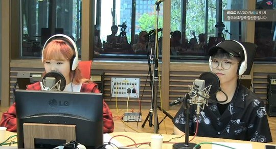 Akdong Musician Talks About Taking Their School Graduation Exams