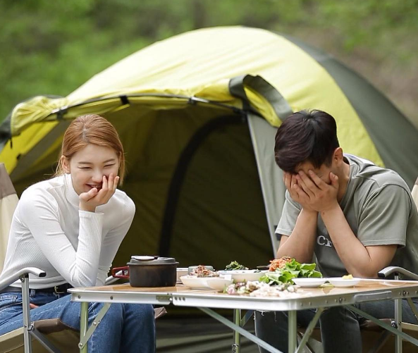 "Love Is In The Air For MADTOWN's Jota and Kim Jin Kyung In ""We Got Married"" Preview Stills"