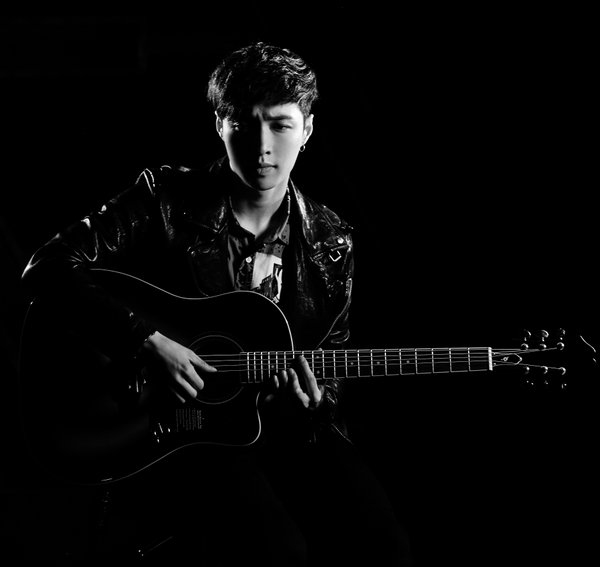 EXO's Lay Is Next Up For SM STATION Project