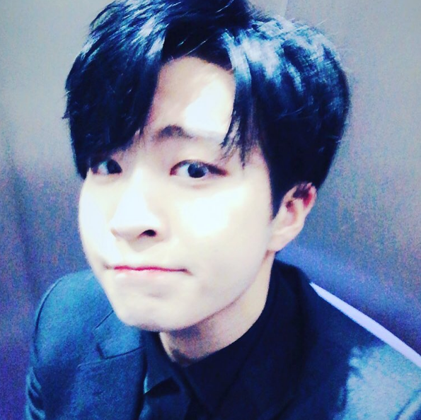 Got7 S Youngjae Asks Sasaeng Fans To Stop Invading His