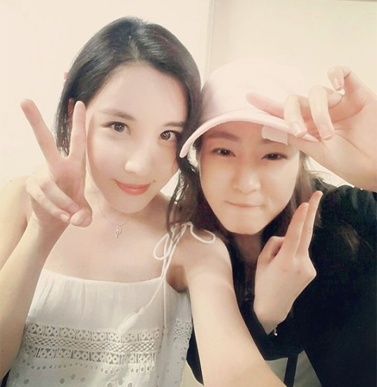 Kang Sora Roots For Girls' Generation's Seohyun At Her Musical