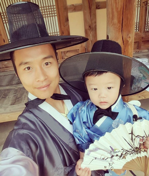 Lee Dong Gook And Daebak Look Handsome Dressed In Traditional Clothing