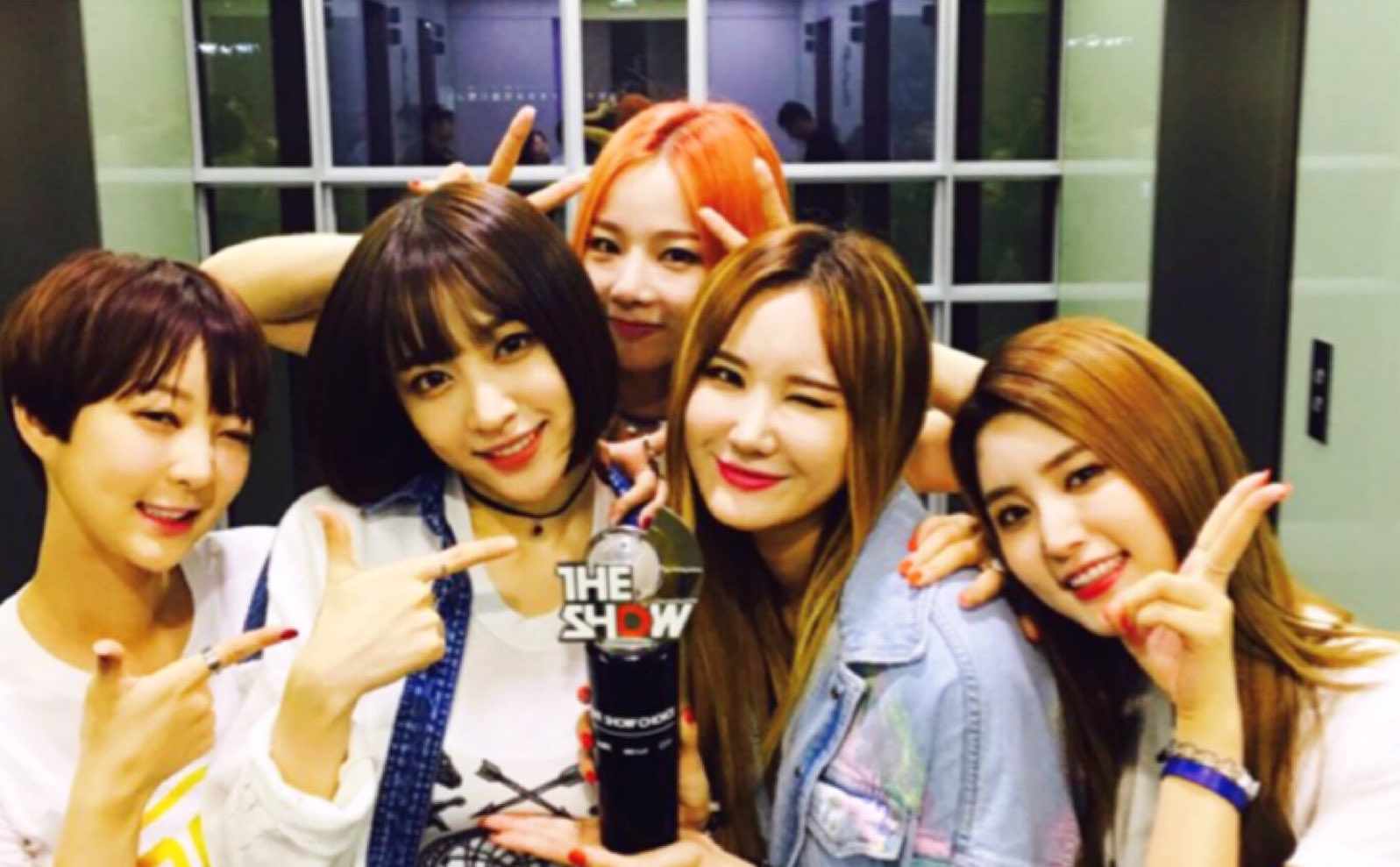 "Watch: EXID Takes 3rd Win For ""L.I.E"" On ""The Show,"" Performances by Baek A Yeon, U-KISS, Luna, And More"
