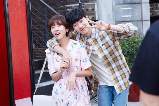 Hwang Jung Eum And Ryu Jun Yeol Keep Their On-Screen Chemistry Alive In Behind-The-Scenes Cut