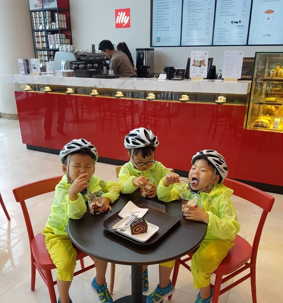Song Triplets Enjoy Dessert After Exercising