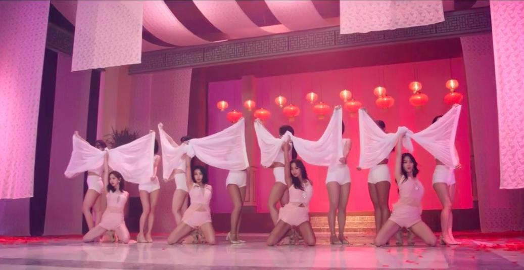 "Watch: SISTAR Makes Long-Awaited Return With ""I Like That"" MV"