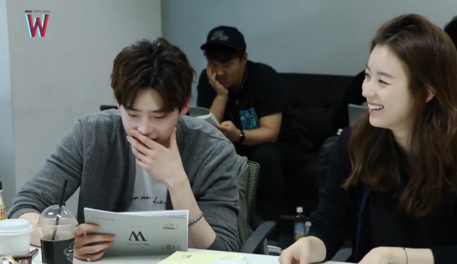 "Watch: Lee Jong Suk And Han Hyo Joo Laugh And Joke During ""W"" Script Read-Through"