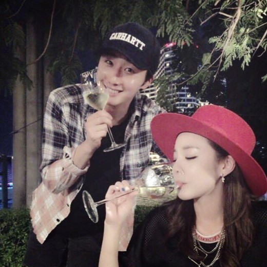 Jung Il Woo And Sandara Park Have A Friendly Reunion