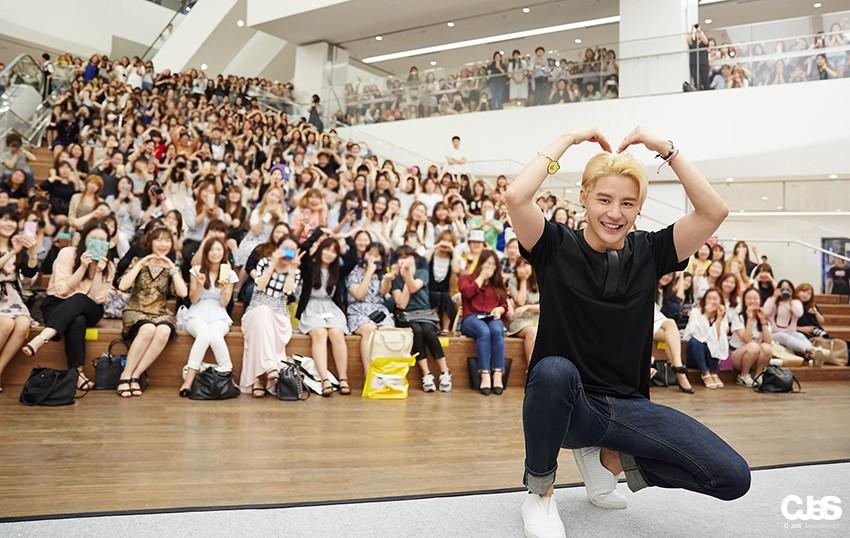 JYJ's XIA (Junsu) Expresses His Gratitude To Fans