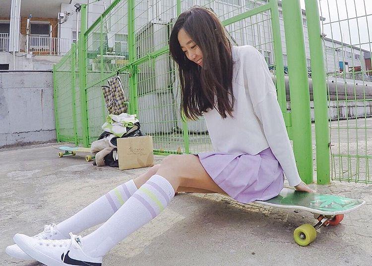 ko-hyojoo-longboarding-korean