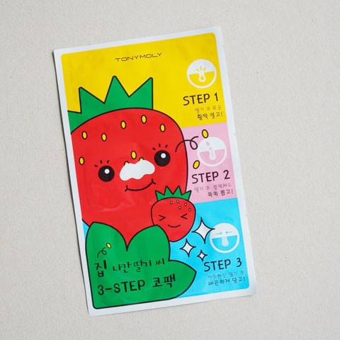 TONYMOLY_-Runaway-Strawberry-Seeds-3-STEP-NOSE-PACK