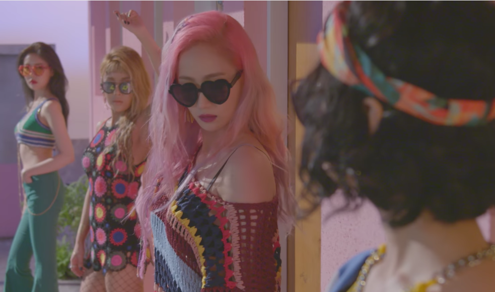 """The Wonder Girls Are Ruthless Beauties In Retro MV Teaser For """"Why So Lonely"""""""