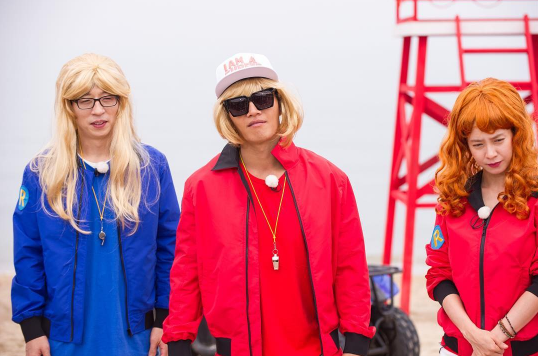 """""""Running Man"""" Cast And Guests Transform Into """"Baywatch"""" Characters"""