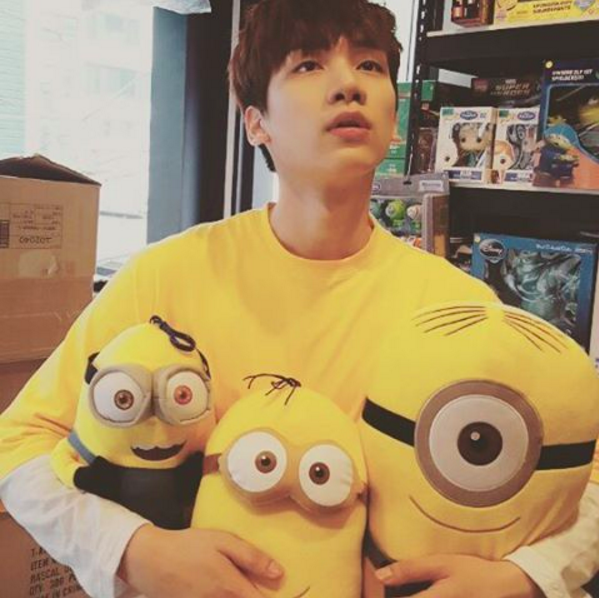 VIXX's Hyuk Joins Instagram On His Birthday!