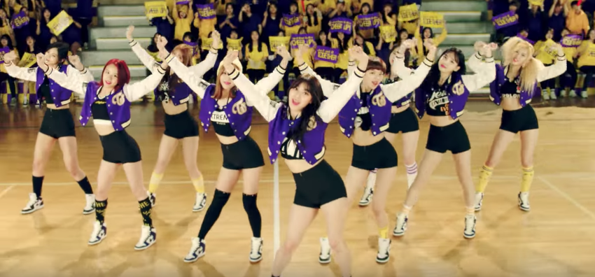 """TWICE Achieves New Milestones With """"Cheer Up"""" And """"Like OOH-AHH"""" MVs"""