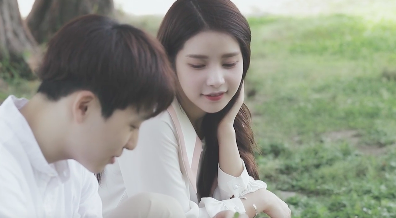 """Watch: MAMAMOO's Solar Shares MV For Gorgeous Cover Of """"In My Dream"""""""