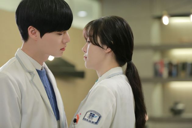Sweet Things Guys Do In Dramas That We Wish They Did In Real Life