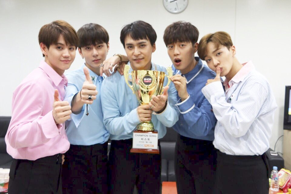 """Watch: BEAST Grabs 1st Win For """"Ribbon"""" On """"Show Champion,"""" Performances By GFRIEND, SEVENTEEN, And More"""