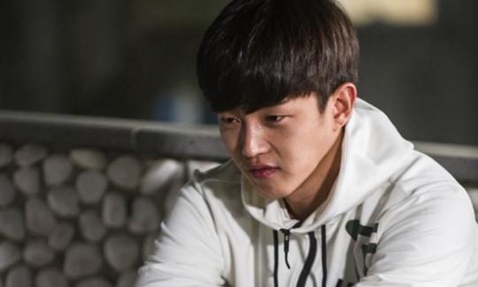 "Kim Min Suk Talks About Most Recent Breakup On ""Flower Crew"""