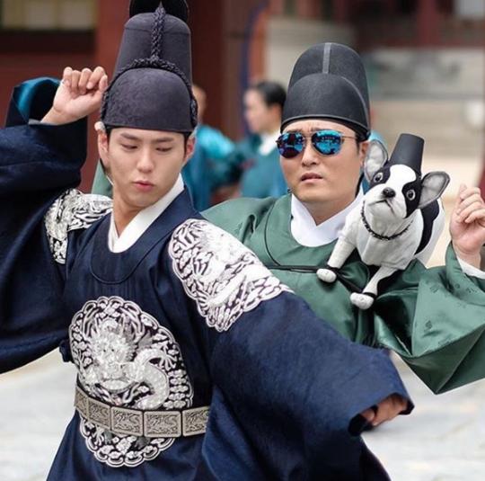 Park Bo Gum Lee Joon Hyuk dance