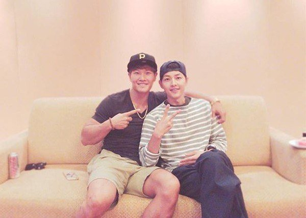 Kim Jong Kook And Song Joong Ki Are Overflowing With Brotherly Love