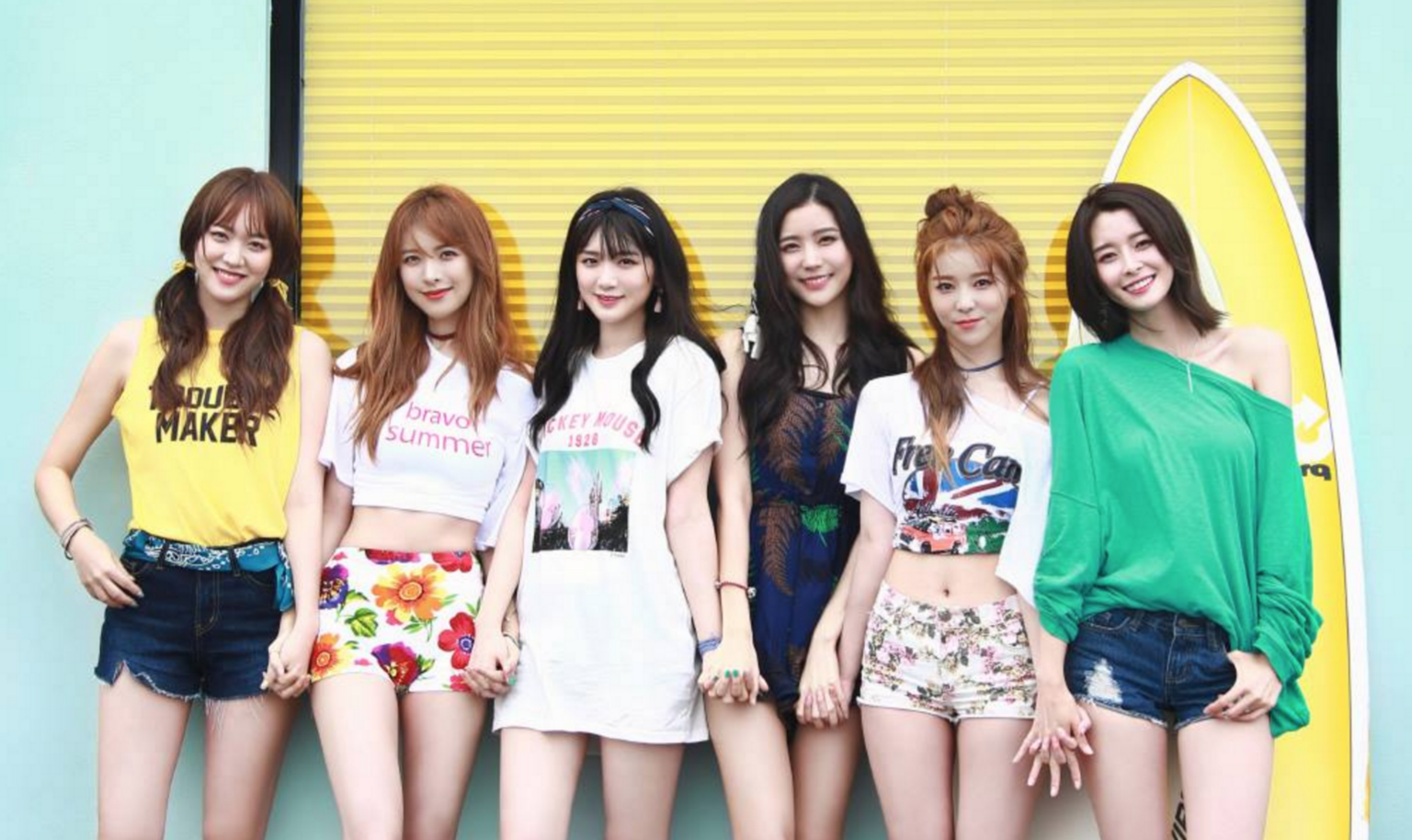 "Hello Venus Invites You To Summer ""Paradise"" In New MV"