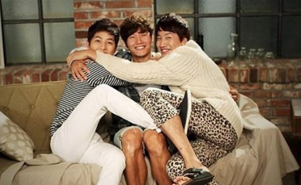 Song Joong Ki Evaluates Lee Kwang Soo And Kim Jong Kook's Selfie Game