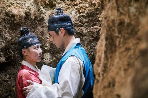 """""""Moonlight Drawn By Clouds"""" Releases Chemistry Filled Stills"""