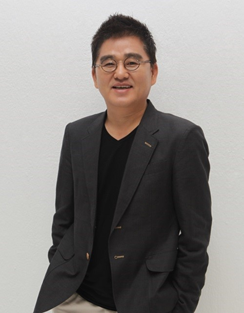 Chairman Hong Seung Sung Returns To Cube Entertainment