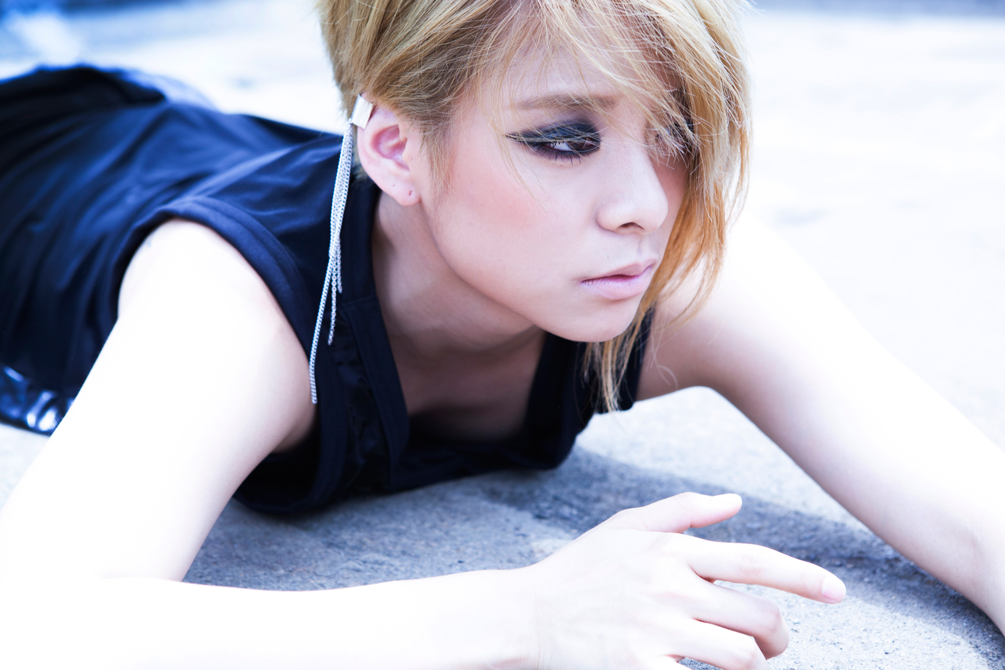 f(x)'s Amber Posts Worrisome Message About Struggles