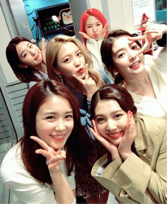 Jang Ye Won Joins In On Red Velvet 2nd Anniversary Celebrations