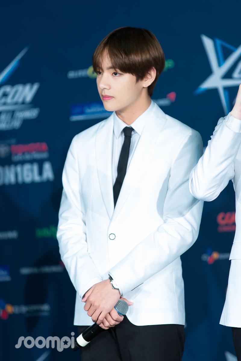 Soompi_KCONLA16_BTS_9