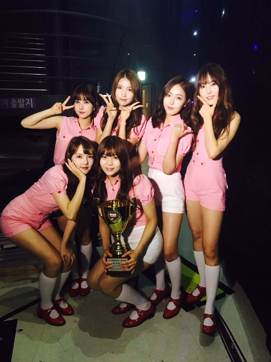 "GFRIEND Takes 13th Win For ""Navillera"" On ""Show Champion,"" Performances By MONSTA X, HyunA, And More"