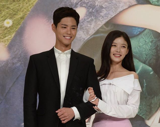 Park Bo Gum And Kim Yoo Jung Reveal Affection For Each Other + Tease Romance