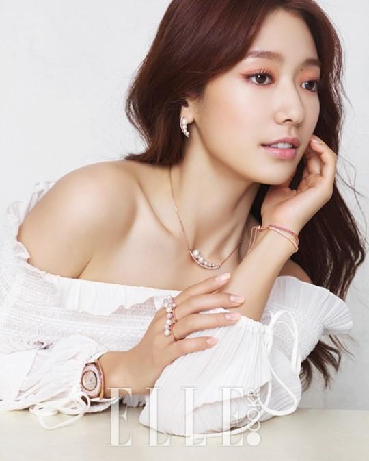 Park Shin Hye Elle 1