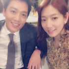 "Park Shin Hye And Kim Rae Won Take A Selfie For Last Episode Of ""Doctors"""